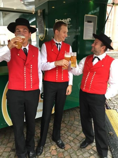 Le-costume-masculin-alsacien-de-la-fin-du-19eme-siecle-3